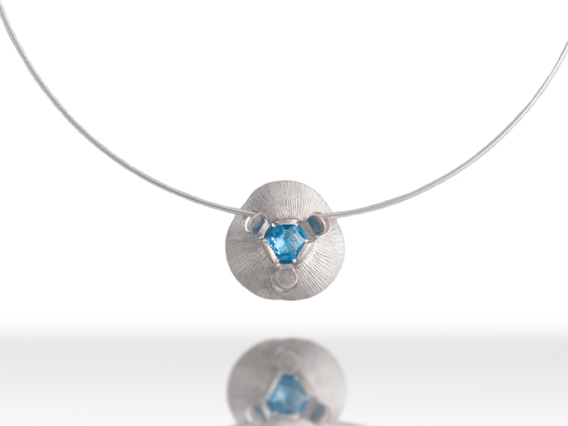 pendant-blue