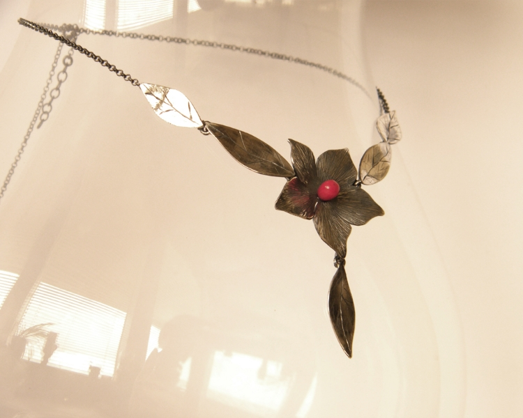 silver-pendant-coral-flower