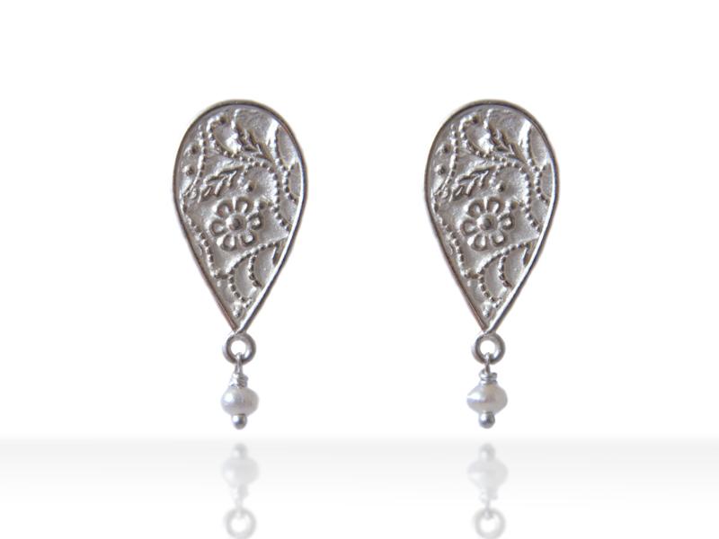 bright-small-earrings