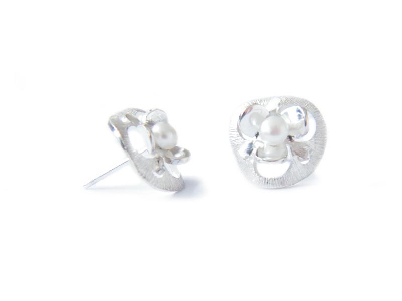 Sterling silver stud earrings with pearls